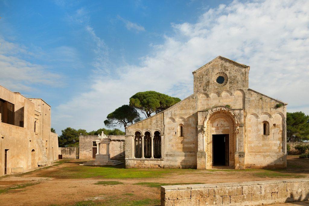 """""""Giornate FAI all'aperto"""" nel week end: l'Abbazia di Cerrate apre al pubblico l'oliveto sperimentale"""
