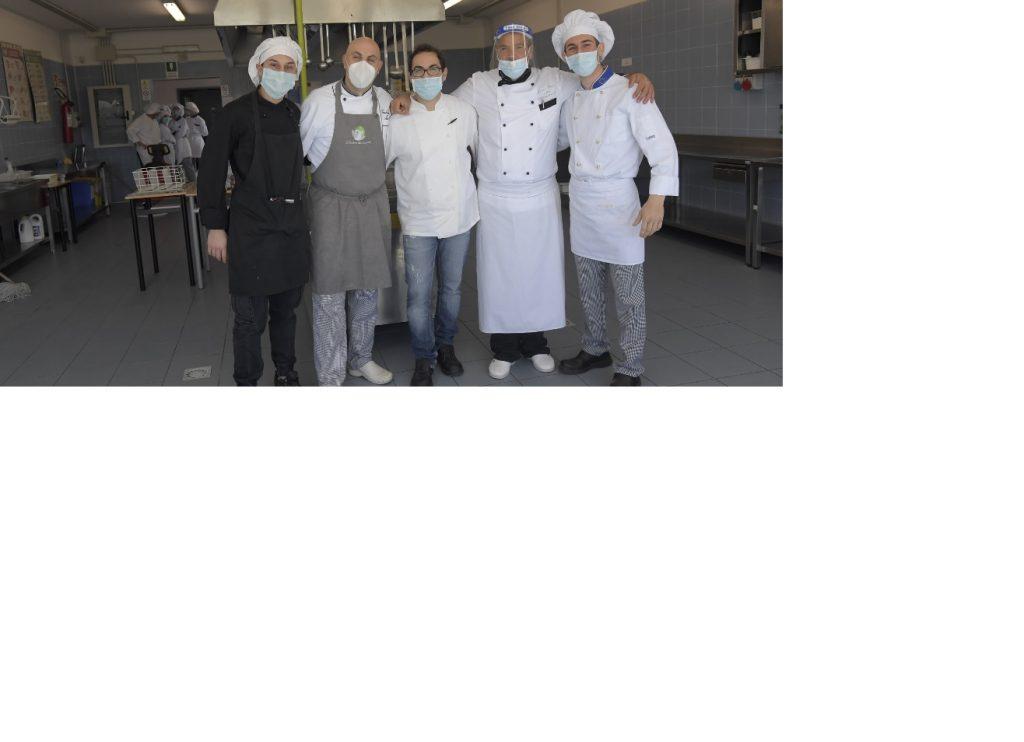 #Noiconmente#: con il progetto di Upi Puglia pronto il ricettario antispreco alimentare  e domani un pranzo solidale opera dei futuri chef dell'Albeghiero di Ugento