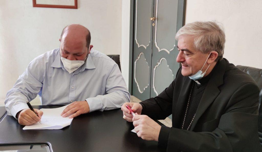 """Protocollo d'intesa per """"MEET 2IN"""": siglato oggi a Palazzo Adorno alla presenza dell'arcivescovo Seccia"""