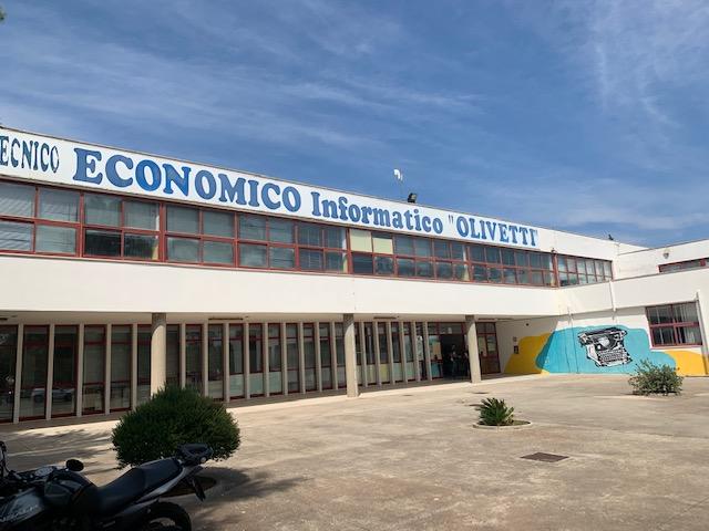 Scuole ed efficienza energetica: affidati i lavori per l'Olivetti di Lecce e il Vespucci di Gallipoli
